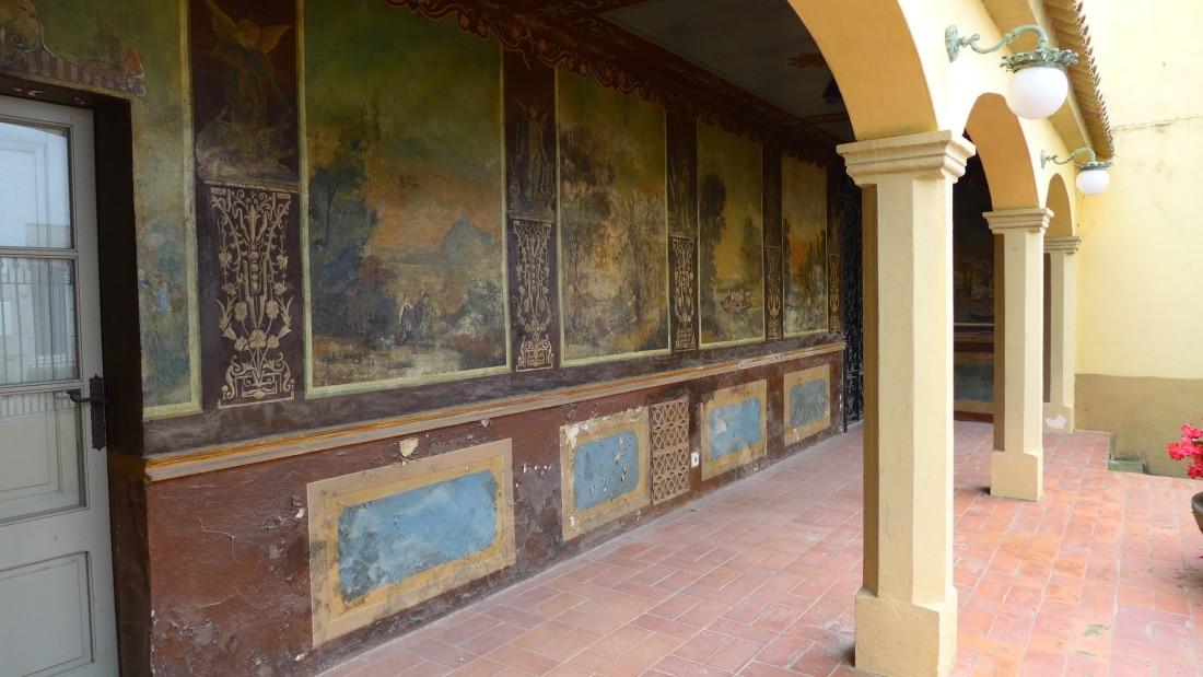 Altes Haus im Kolonialstil in Begur