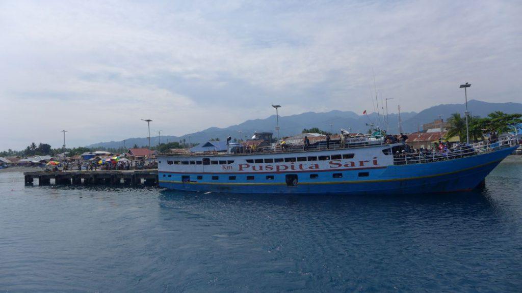 fähre togian islands