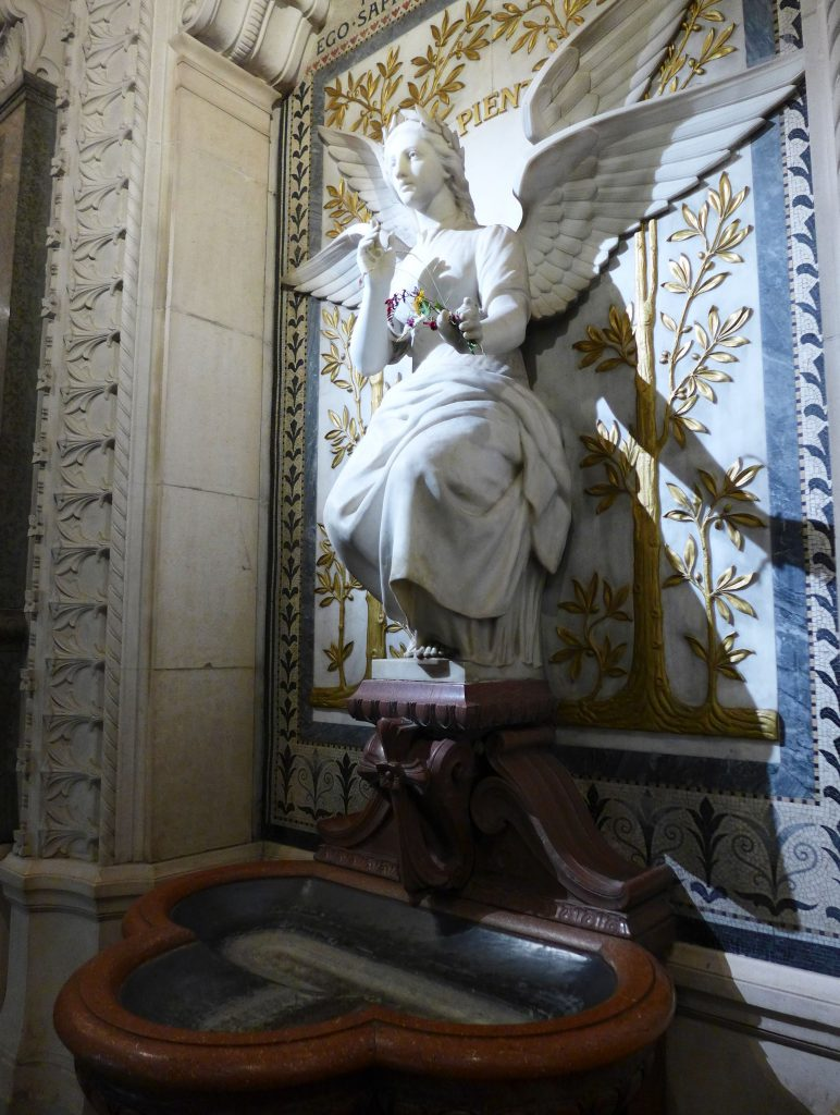 Maria Statue notre dame de fourvièr